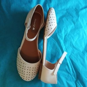 AMERICAN EAGLE WHITE LASER CUT MARY JANES NEW